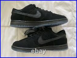 Nike Dunk Low Undefeated size 10.5 Ships Same day